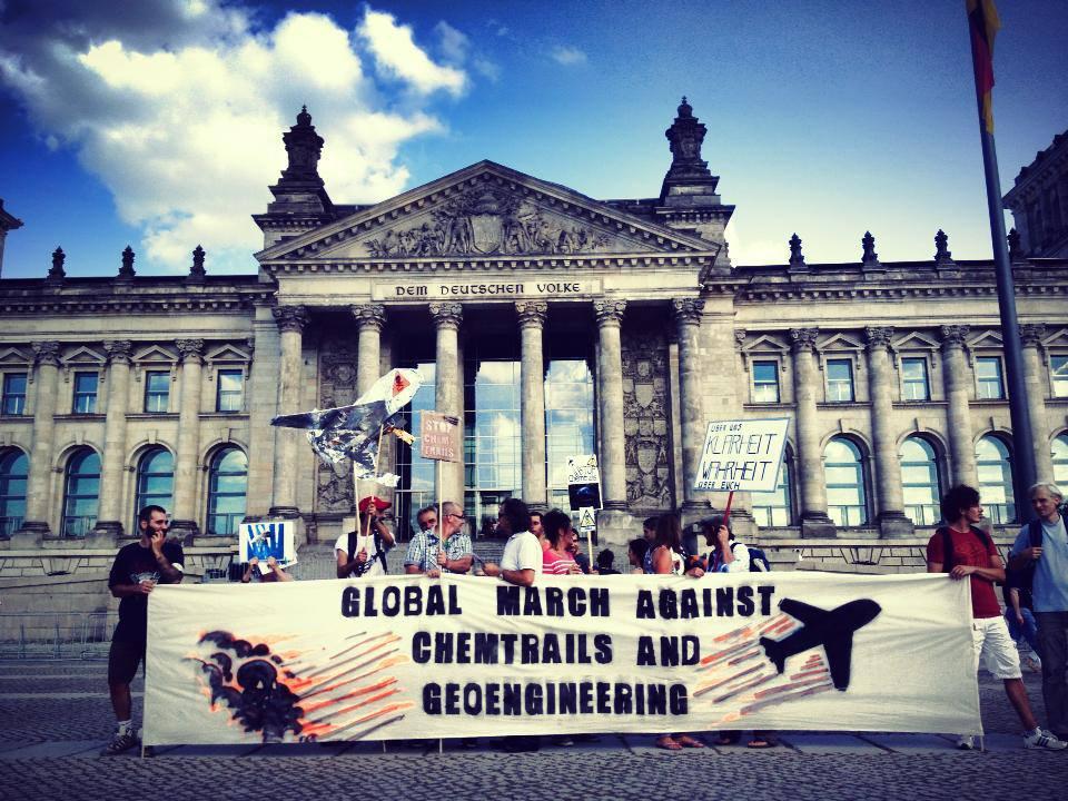 43-demo-vor-dem-reichstag-25-8-2013